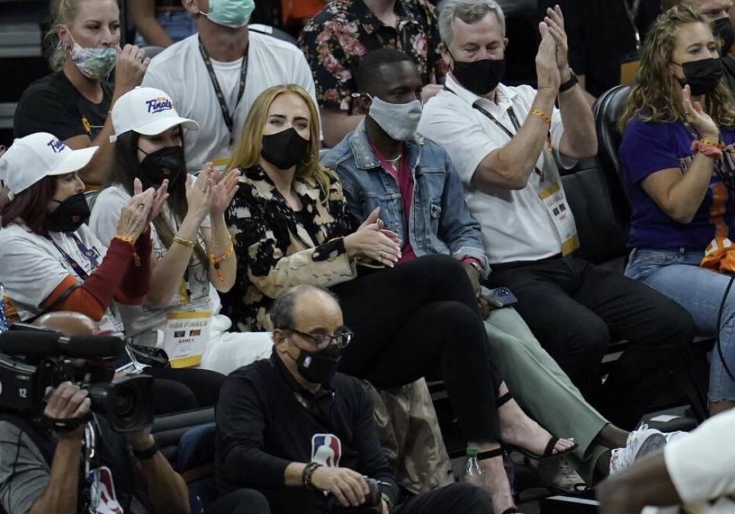 Adele e Rich Paul paparazzati insieme