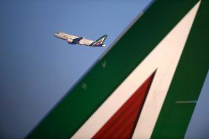 Alitalia resta nel mirino della Ue per gli aiuti di Stato