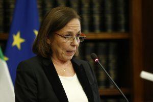 La ministra Lamorgese: «Non si può abbassare la guardia»